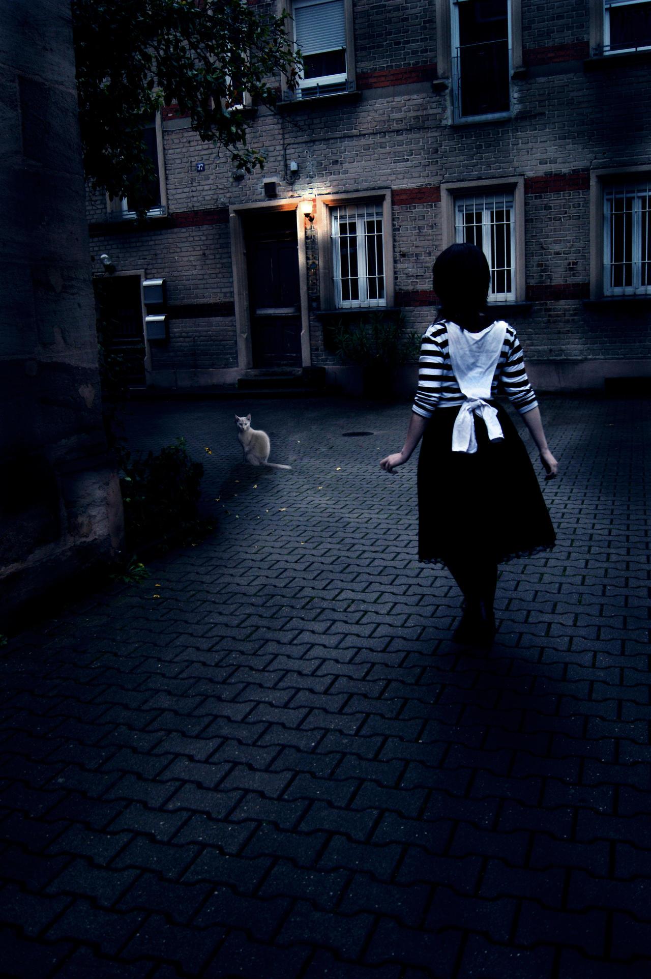Alice [London] by PineapplePandah