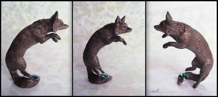 :.Fox - Swarovski stone.: