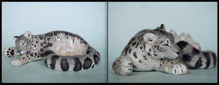 :.Snow leopard and Quartz.: