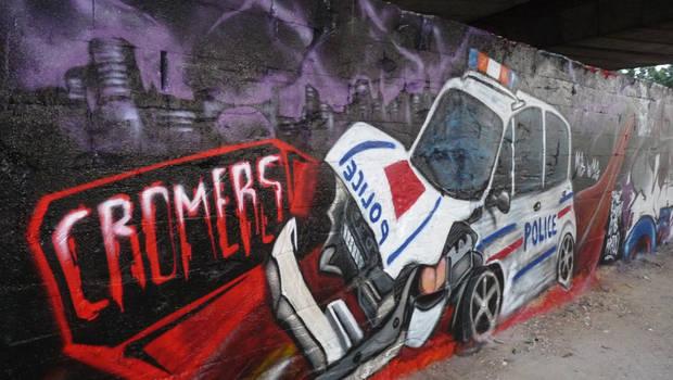 police car crash by chromers