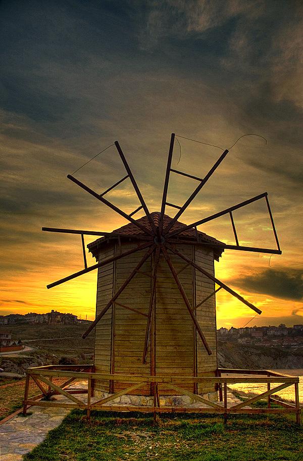 Broken Mill... by sadettintas