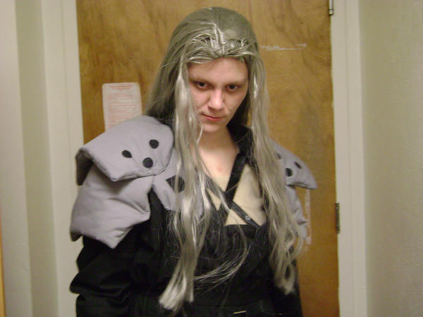 Sephiroth cosplay 3 by cyberelf2029