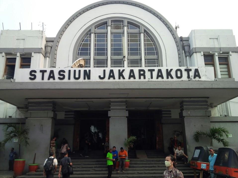 Stasiun Jakarta Kota by Pro-lensandmoments