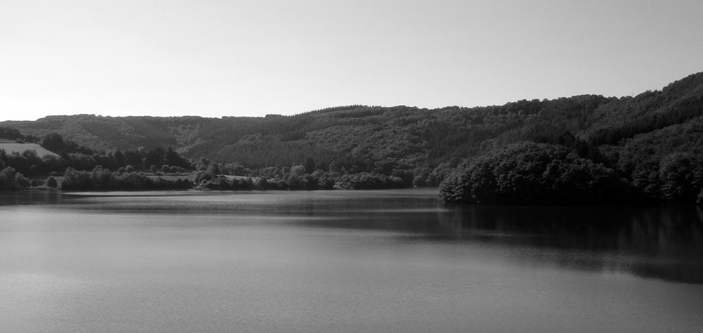 Upper Sure Lake 2 by maradong