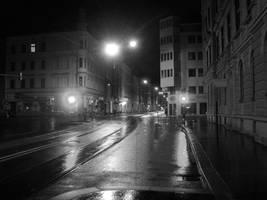 Street by night - Innsbruck by maradong