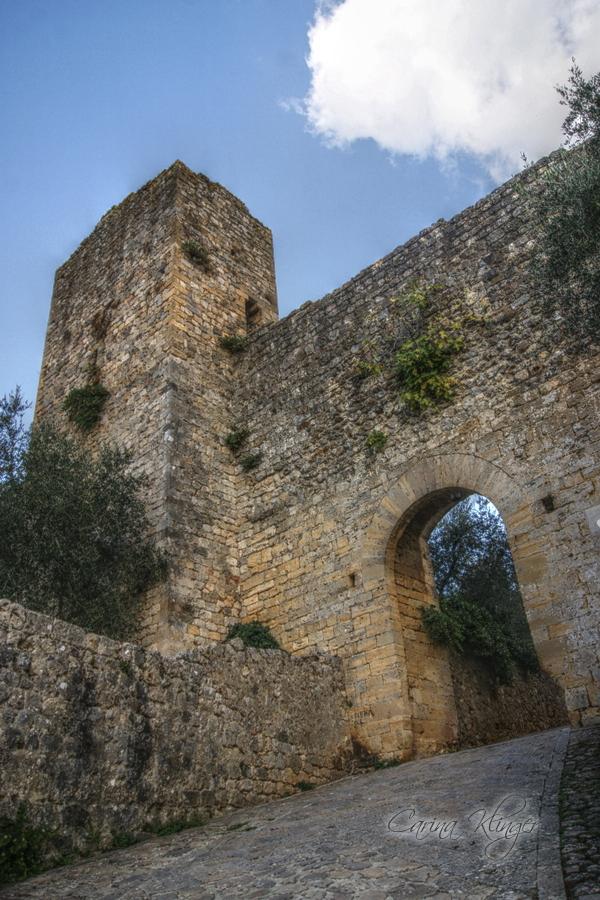 Monteriggioni by CelticCari