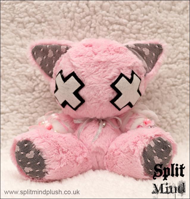 Arius Kitty by splitmindplush