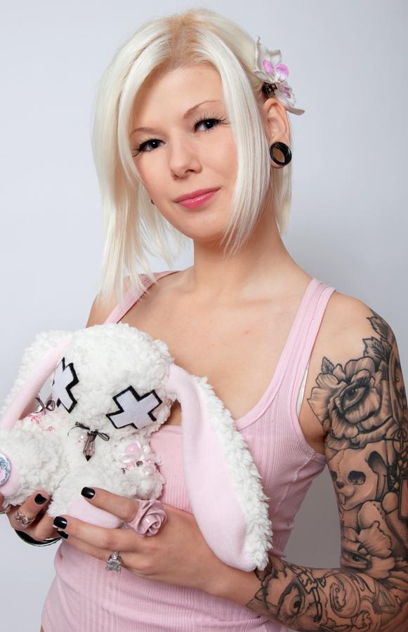 Alice and Bunny by splitmindplush