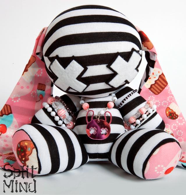 Cupcake Bunny by splitmindplush