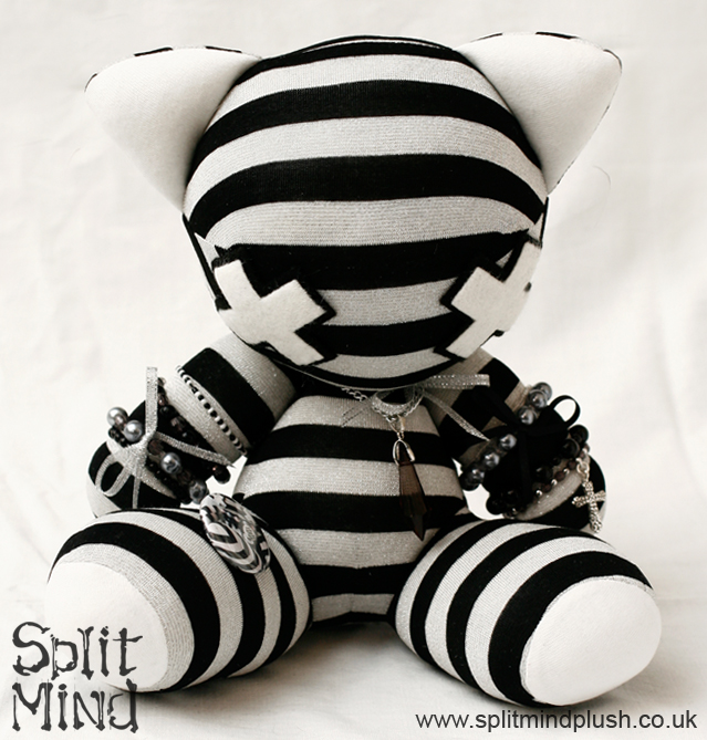 Silver Kitten by splitmindplush