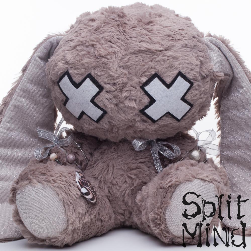 Char-Brown Bunny by splitmindplush