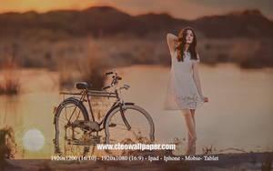 SunSet Nice GIrl by Cleodesktop