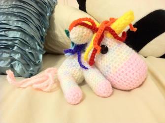 Unicorn Amigurumi by revolutionheart