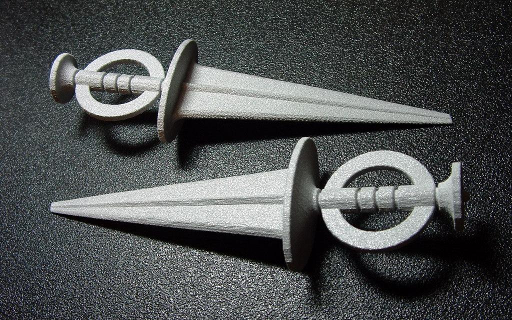 grey_dagger by riumplus