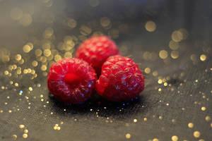 raspberries by KaterinaRaed