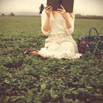 she reads in fields by aimeelikestotakepics