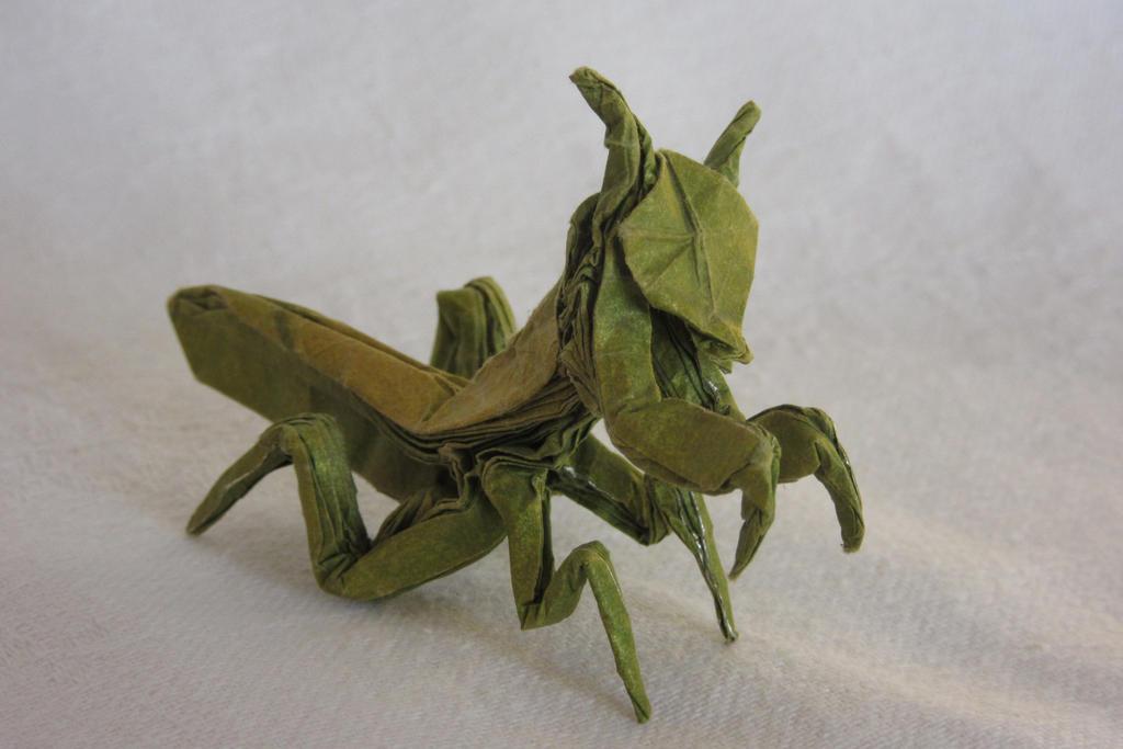 origami praying mantis by genghiskhanit on deviantart