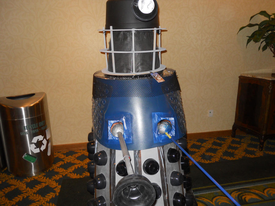 mechacon 2012: Dalek by DeathRage22