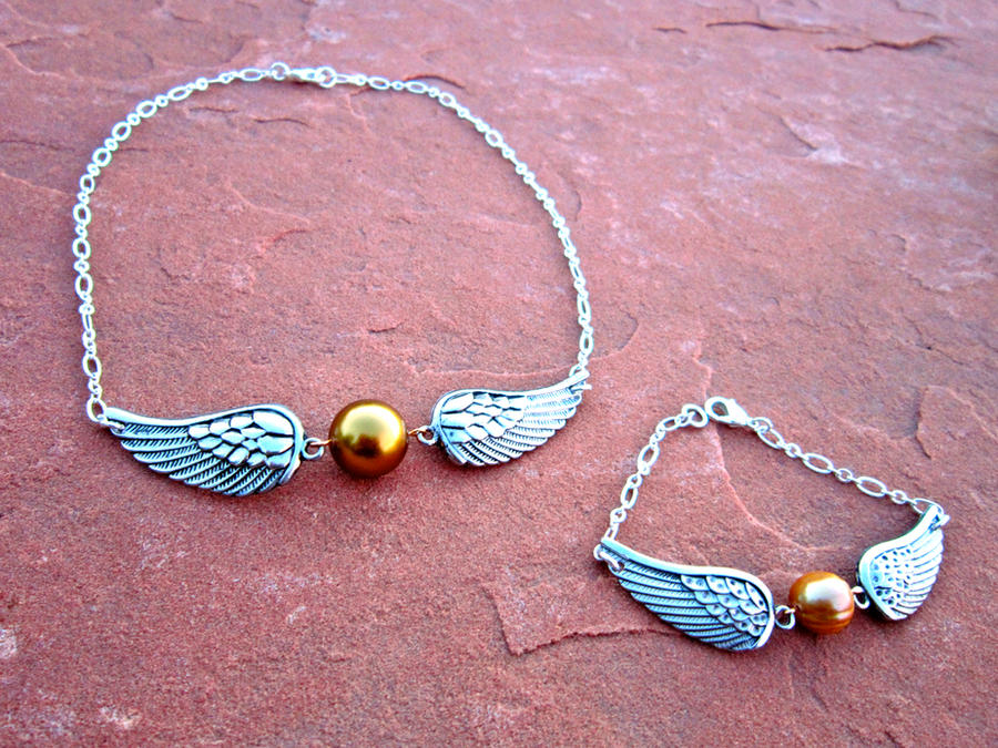 Golden Snitch Bracelet and Necklace Set by Key-Kingdom