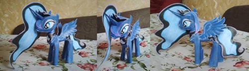 Princess Luna Papercraft (3 photos, version 2)