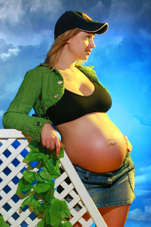 Pregnancy VI by Raphael-Ben-Dor