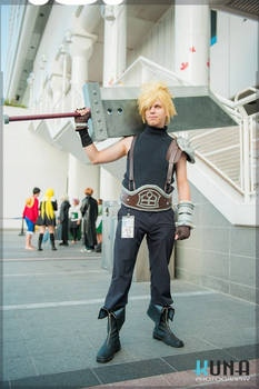 FF7 Cloud Strife Cosplay