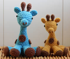 Amigurumi Giraffes by matandhelen