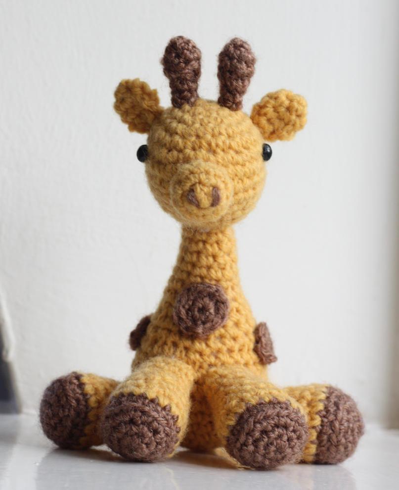 Small yellow giraffe (crochet -- amigurumi) by matandhelen on ...