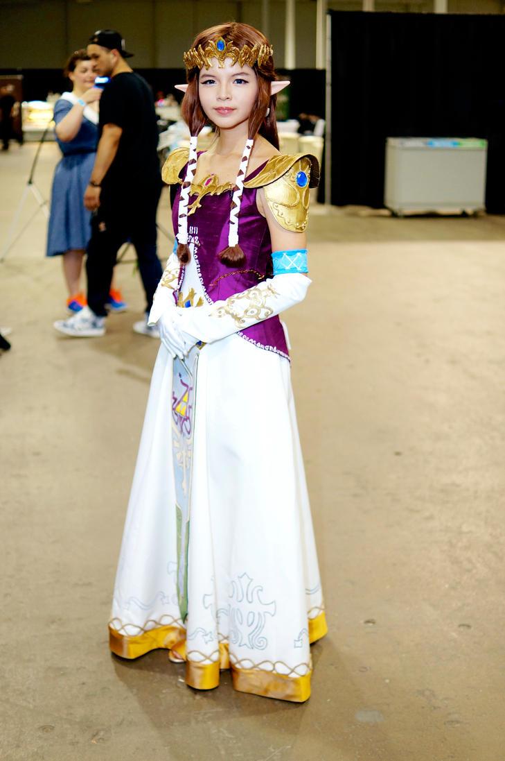 Princess Zelda Unplugged Expo 2015 by Lightning--Baron