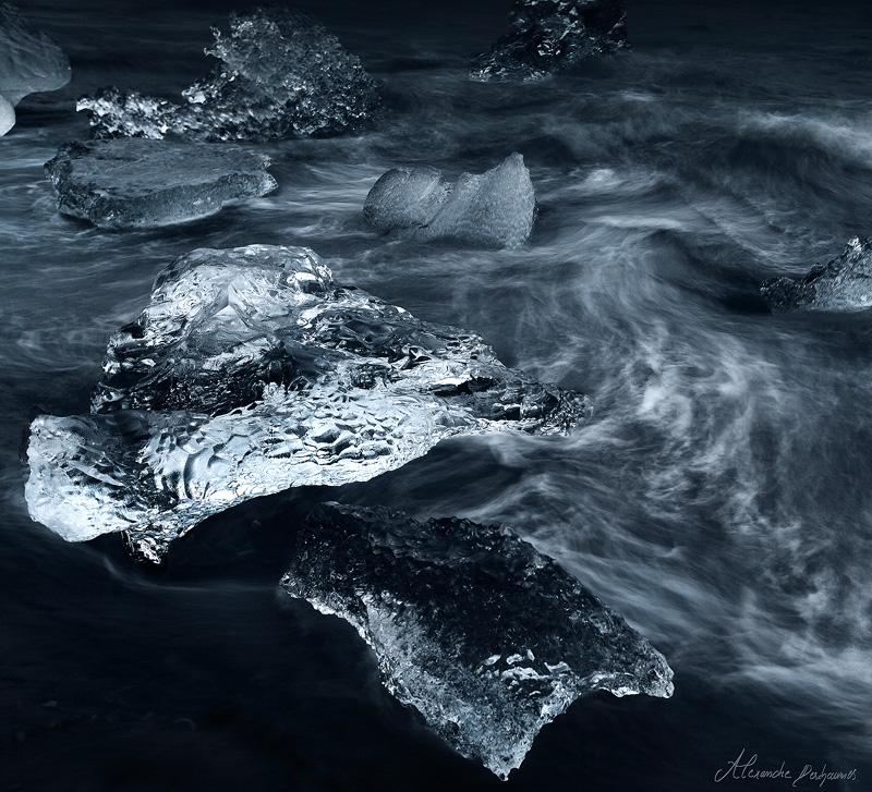 Seas of Emptiness by alexandre-deschaumes