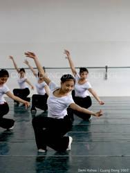 Guang Dong Dancers II