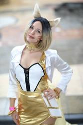 Prestige KDA Ahri cosplay