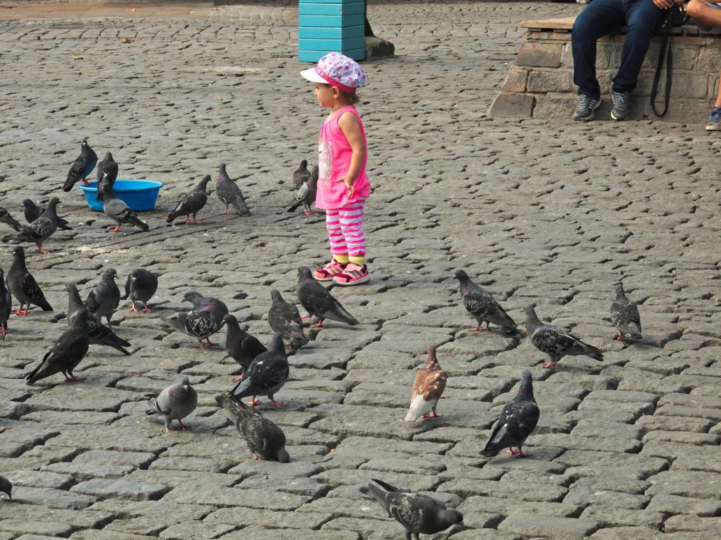little girl and pigeons by ZzZzZzZzZzZz