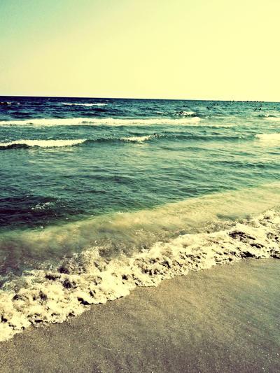 Beach by SlowFretboardDancer