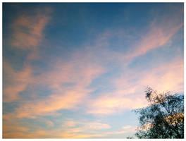 As the day fades away by XxBrokenxXxArtxX