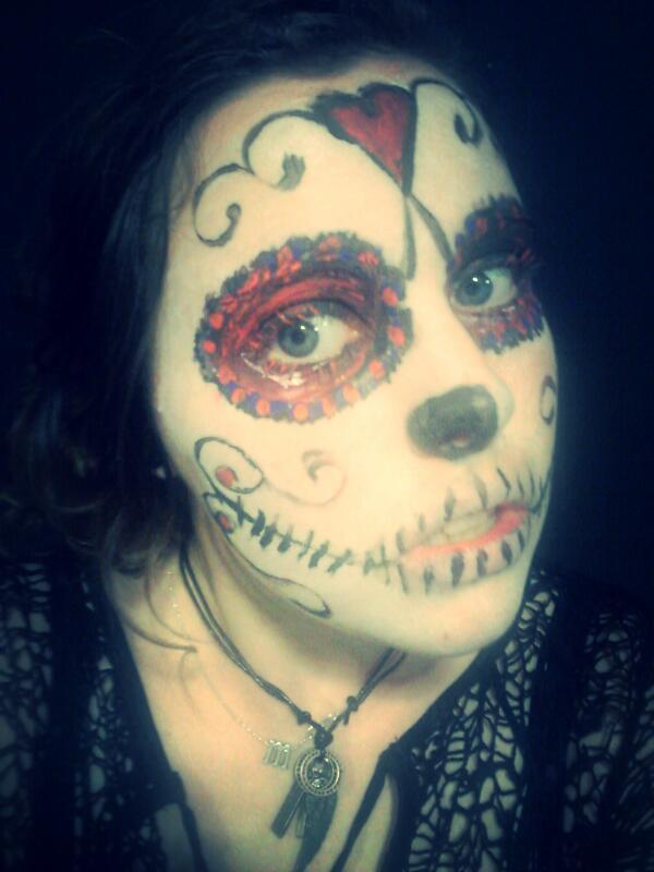 Sugar skull...HALLOWEEN!!!! by theloverofTMI