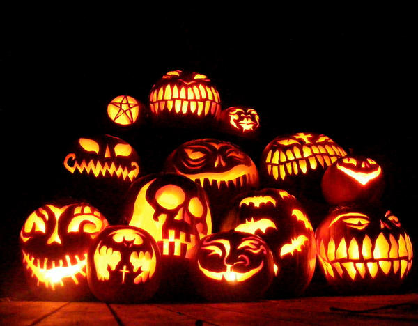 Hallowe'en Pumpkins by T-Thomas