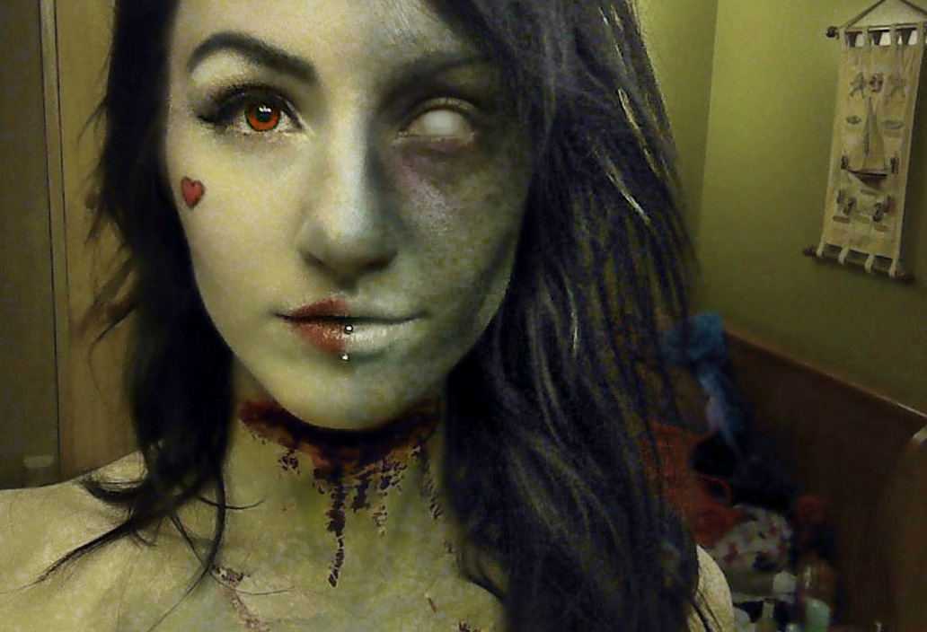 Zombie Queen of Hearts makeup by darkestcountryroad