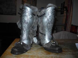 Skyrim-esq Boots by brazenrogue
