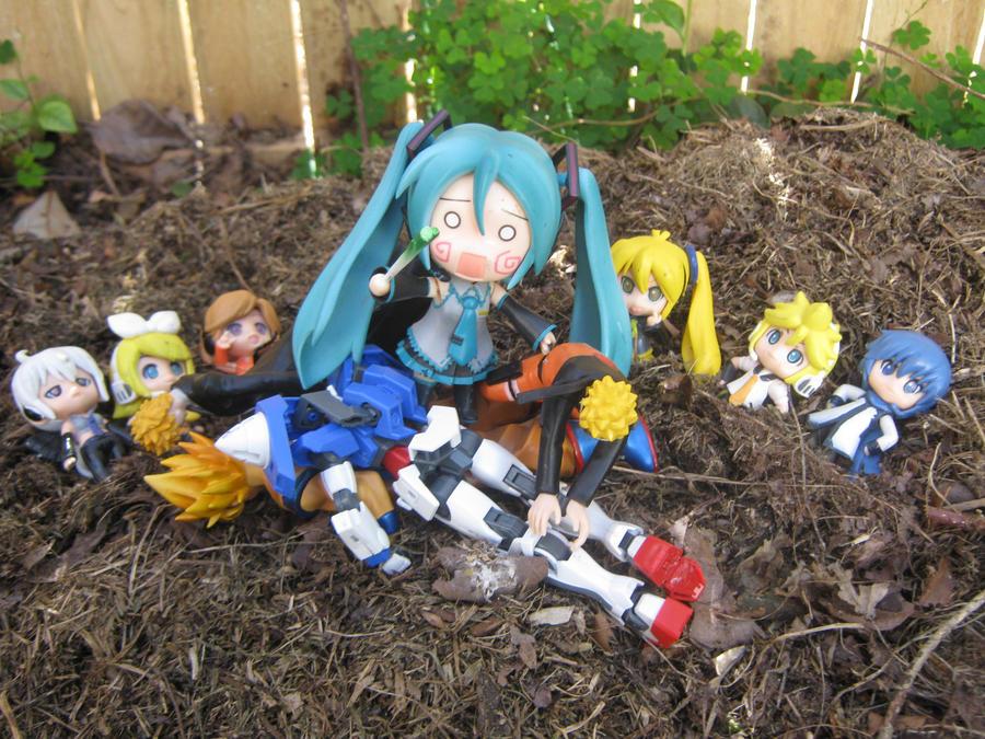 Vocaloid Pwnage!! by hachunemikufaceplz