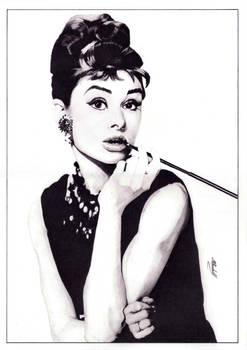 Audrey Hepburn (pencil) [re-scan] by mchurchill1982