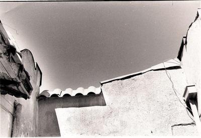 Sun.walls and shadow by edoorellana