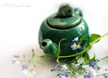 teapot with forget-me-nots... by TheRedGirl