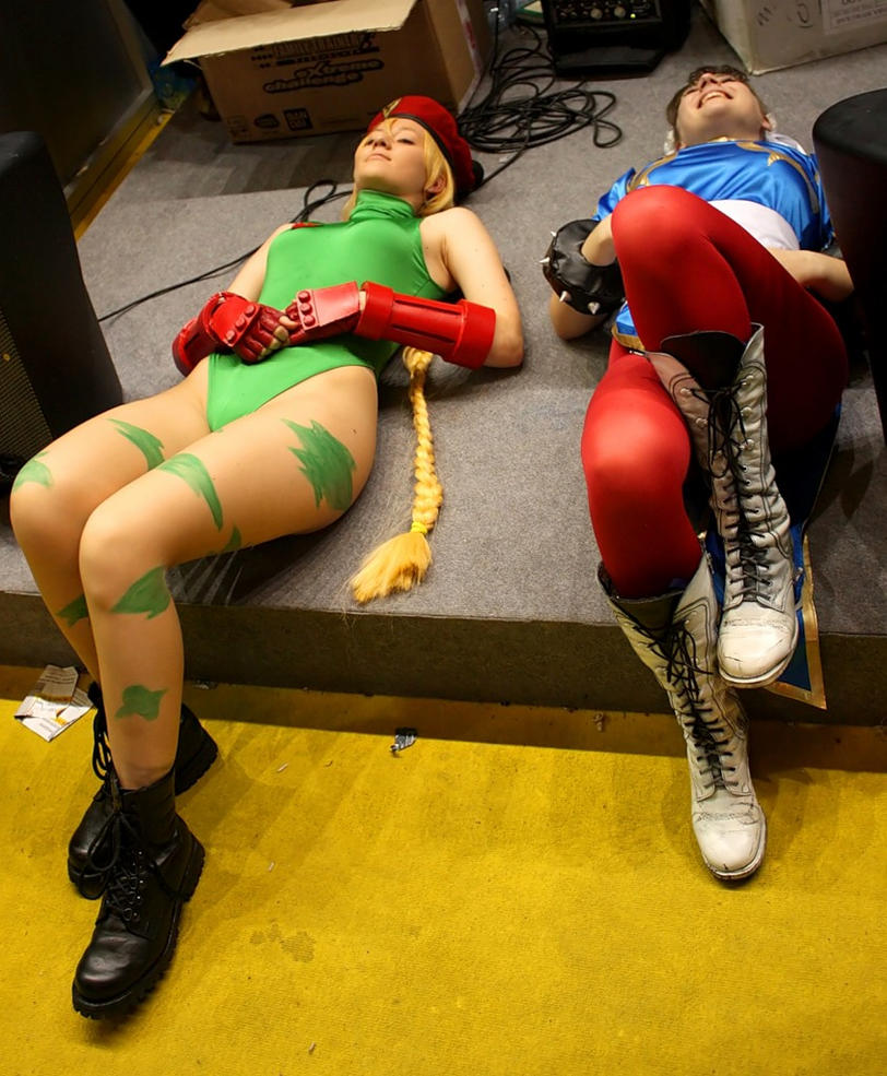Cammy and ChunLi xD by OniksiyaSofinikum
