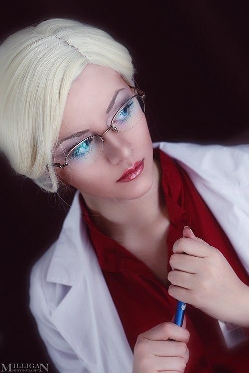 My name is dr.Quinzel. Harleen Quinzel. by YokoOmi