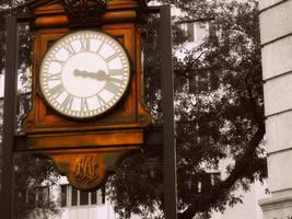 Old Clock by MasterpeiceMayhem