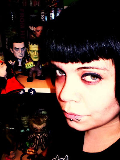 Vicki-Death's Profile Picture