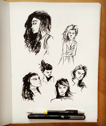 Quick faces sketches with brush pen by Rogaan