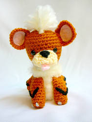 Growlithe Pokemon Amigurumi by yarnmon