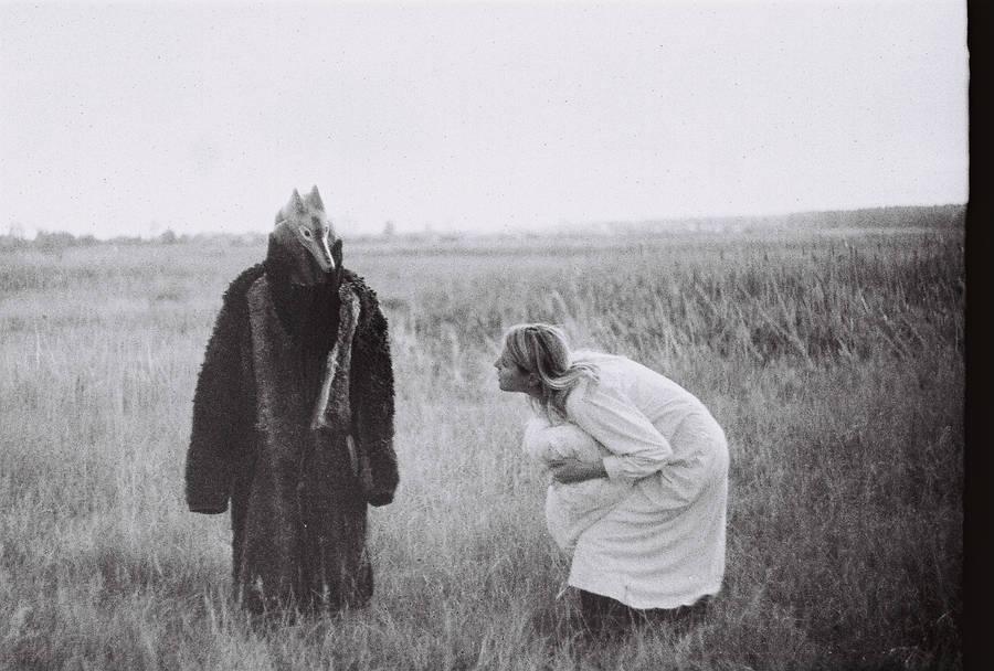 Wolf and  sleeping woman by Goroshinki